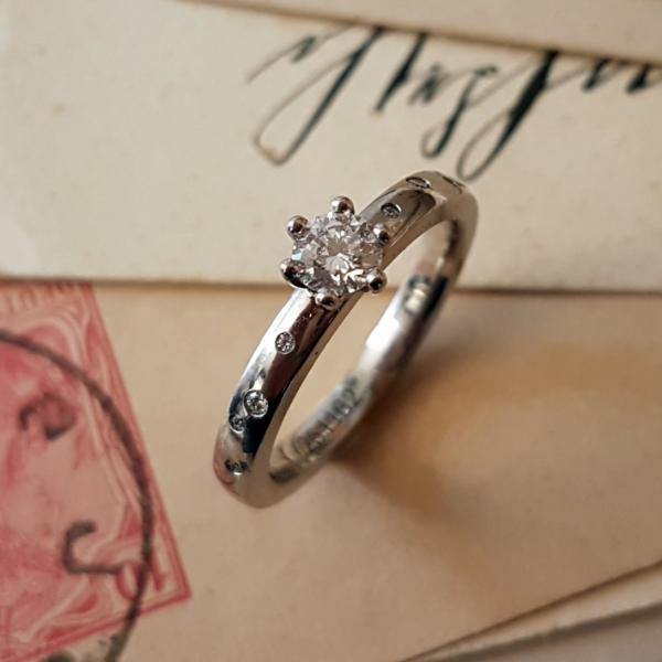 Verlobungsring Platin Brillanten Klassisch Sternenhimmel (251162)